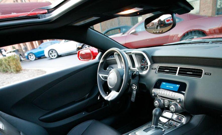 2010 Chevrolet Camaro SS wheel and fender badge - Slide 19