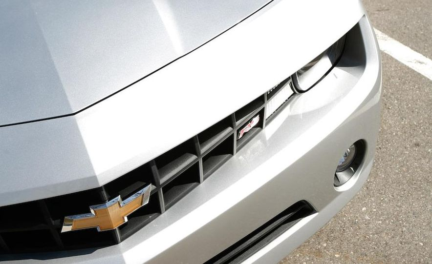 2010 Chevrolet Camaro SS wheel and fender badge - Slide 9