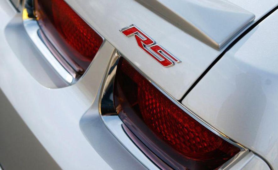 2010 Chevrolet Camaro SS wheel and fender badge - Slide 39