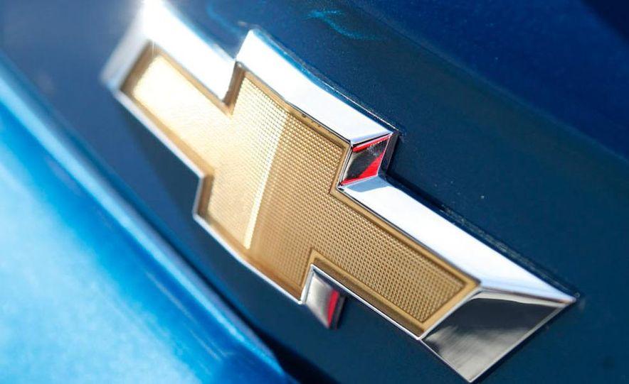 2010 Chevrolet Camaro SS wheel and fender badge - Slide 4