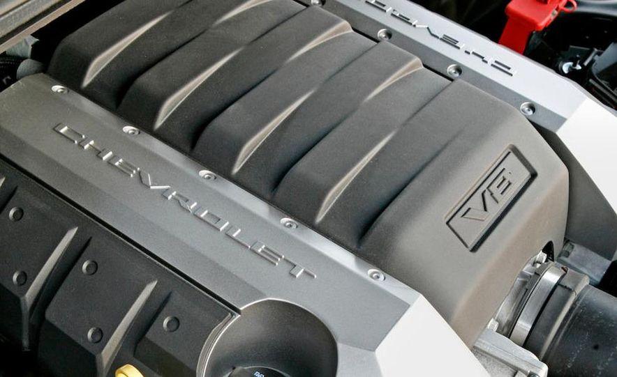 2010 Chevrolet Camaro SS wheel and fender badge - Slide 13