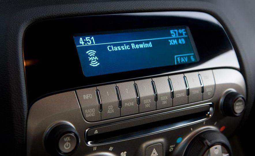 2010 Chevrolet Camaro SS wheel and fender badge - Slide 75
