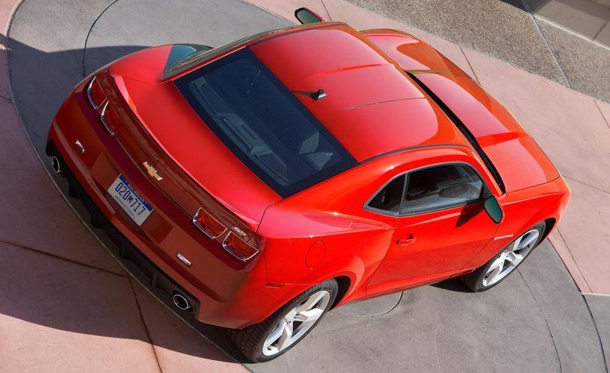 2010 Chevrolet Camaro SS wheel and fender badge - Slide 70