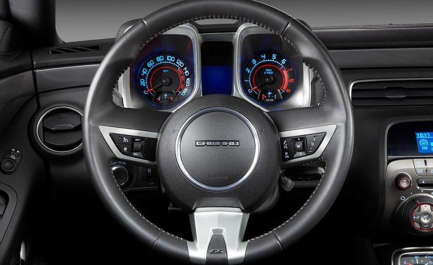 2010 Chevrolet Camaro SS wheel and fender badge - Slide 73