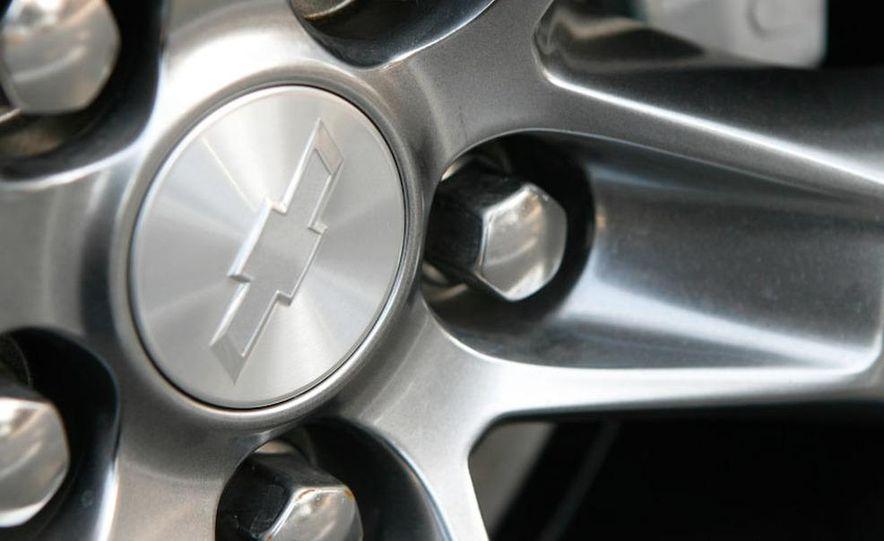 2010 Chevrolet Camaro SS wheel and fender badge - Slide 38