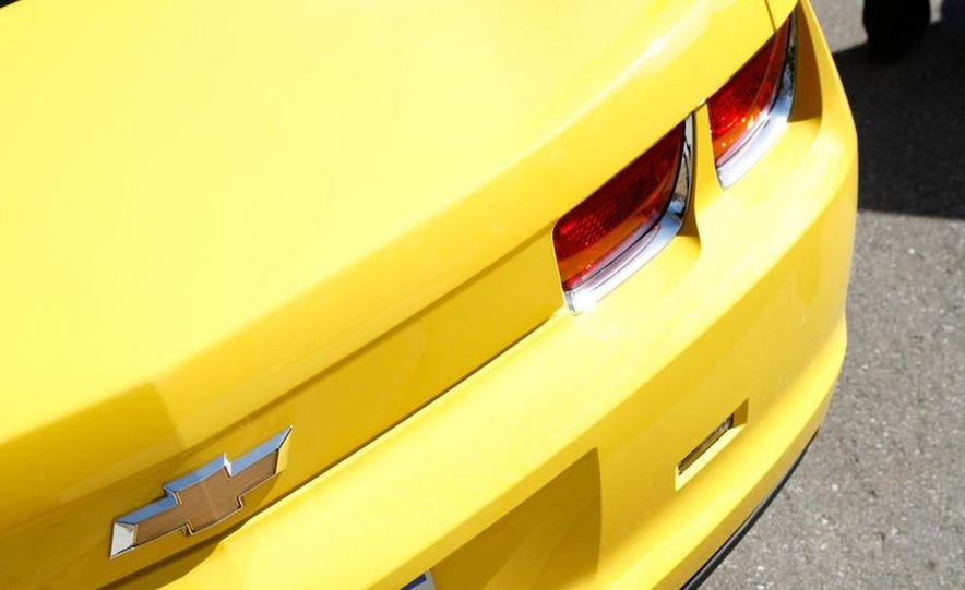 2010 Chevrolet Camaro SS wheel and fender badge - Slide 7