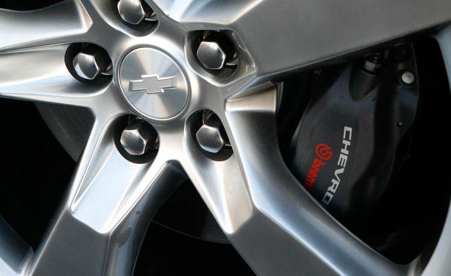 2010 Chevrolet Camaro SS wheel and fender badge - Slide 14