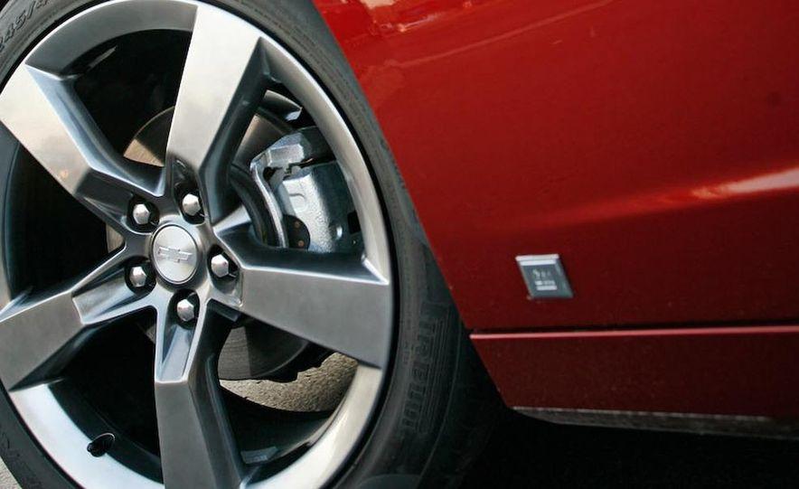 2010 Chevrolet Camaro SS wheel and fender badge - Slide 18