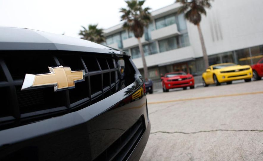 2010 Chevrolet Camaro SS wheel and fender badge - Slide 49