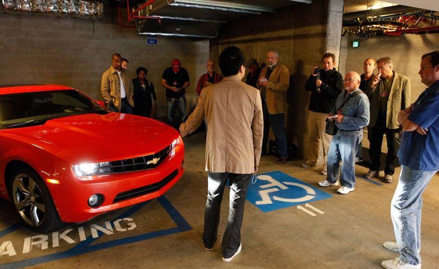 2010 Chevrolet Camaro SS wheel and fender badge - Slide 50