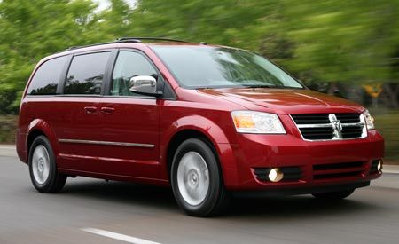 Town And Country Dodge >> 2008 Chrysler Town Country And Dodge Grand Caravan First Drive