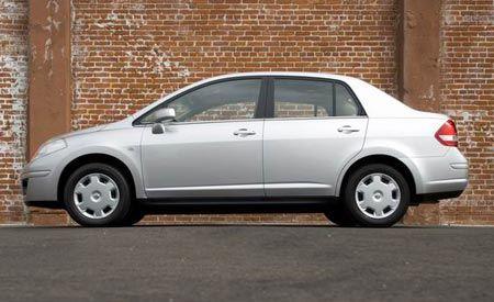 2008 Nissan Versa 1.8S Sedan