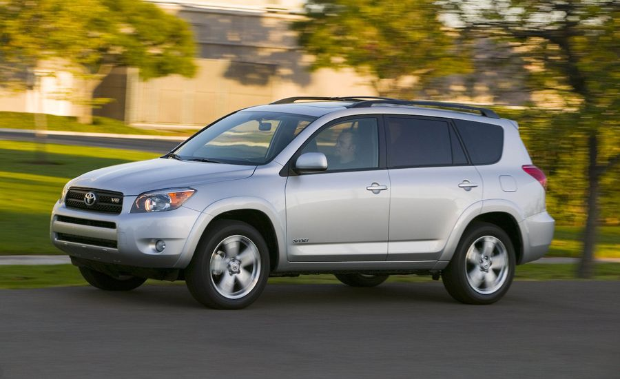2008 toyota rav4 review reviews car and driver. Black Bedroom Furniture Sets. Home Design Ideas
