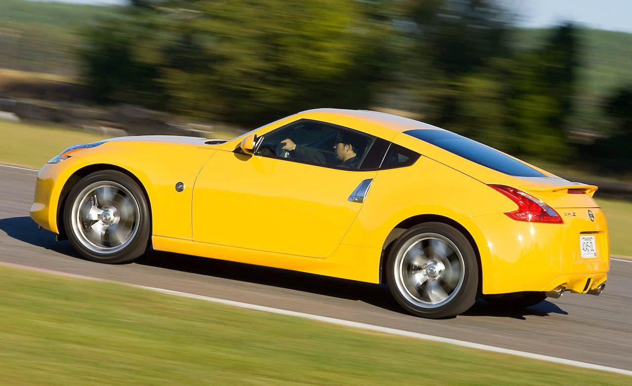 Nissan z reviews nissan z price photos and specs car and driver 2009 nissan 370z vanachro Image collections