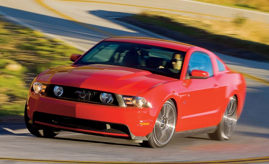 2010 Ford Mustang Gt First Drive Review Reviews Car And Driver