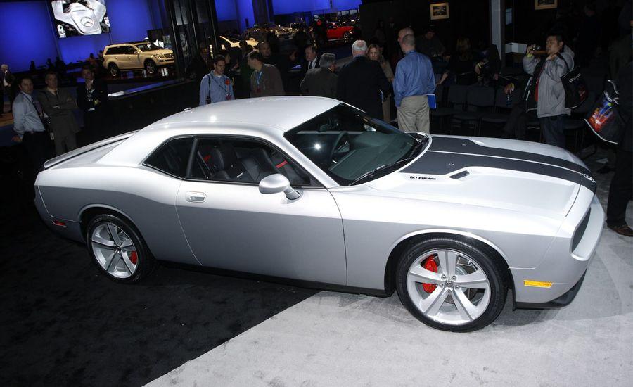 2009 Dodge Challenger SE, R/T, and SRT8