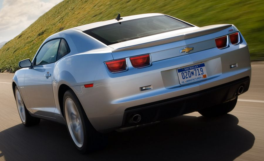2010 Chevrolet Camaro V6 and V8 Performance Test Results