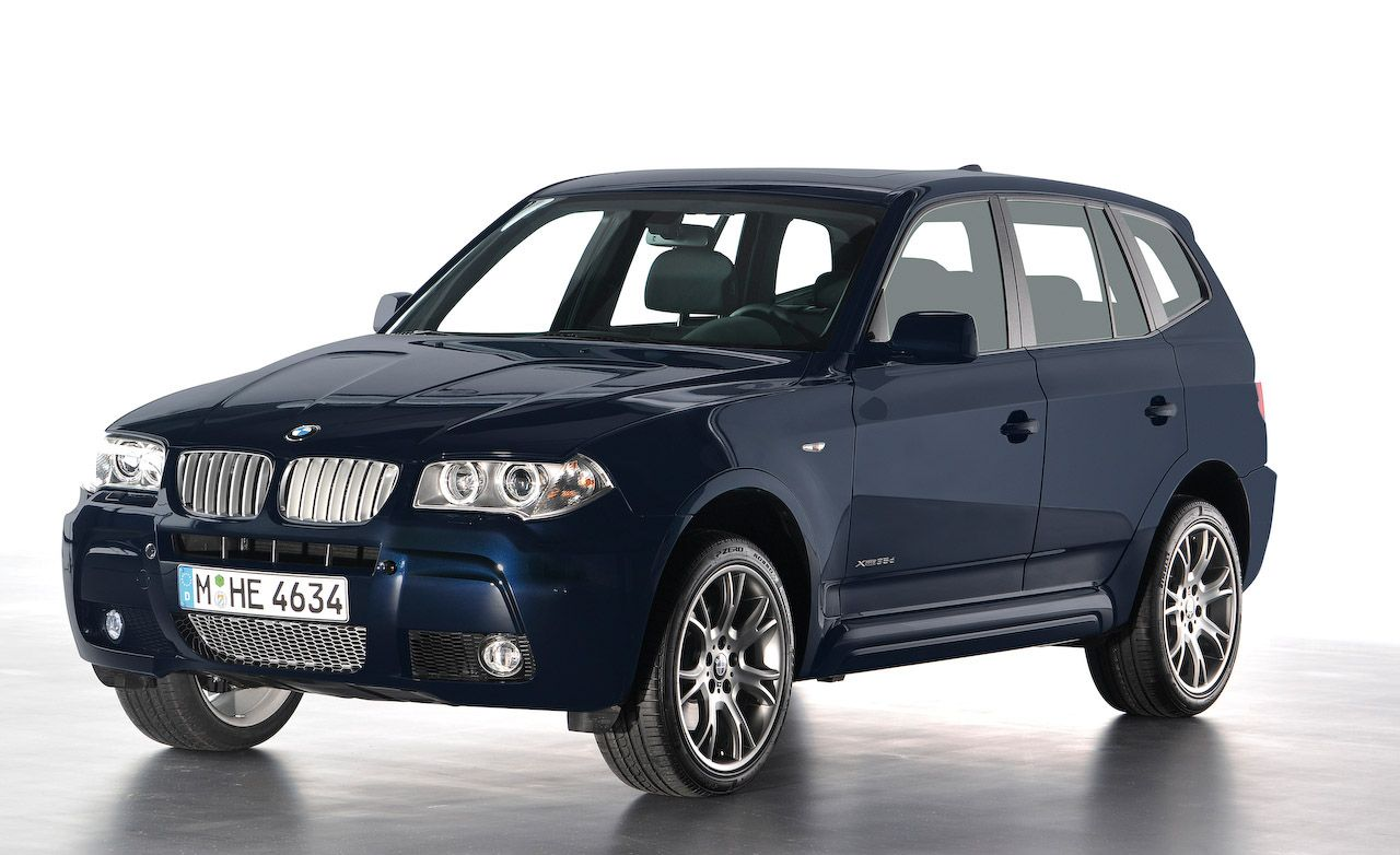 BMW X3 Reviews - BMW X3 Price, Photos, and Specs - Car and Driver