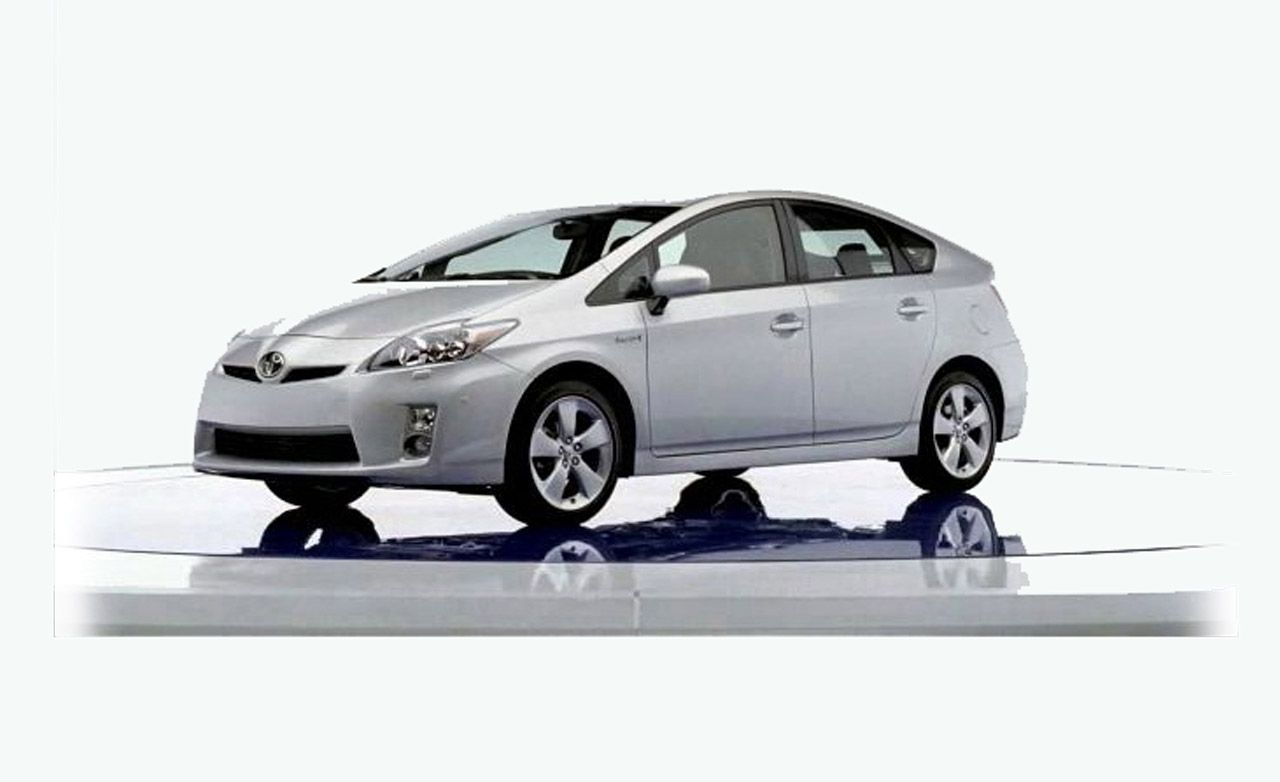 Toyota to Bring Plug-In Prius to U.S. in Late 2009