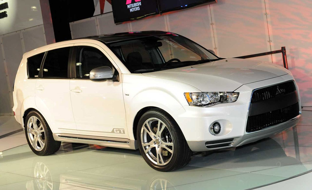 2007 Mitsubishi Outlander Road Test Review Car And Driver