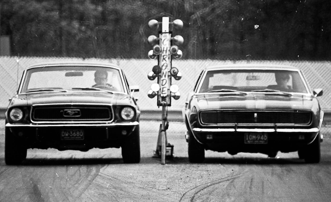 Mustang Vs Camaro >> 1968 Tunnel Port Ford Mustang Vs Chevrolet Camaro Z 28