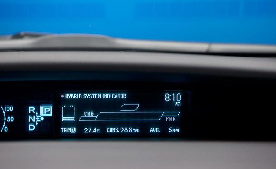 2010 Toyota Prius - Slide 14