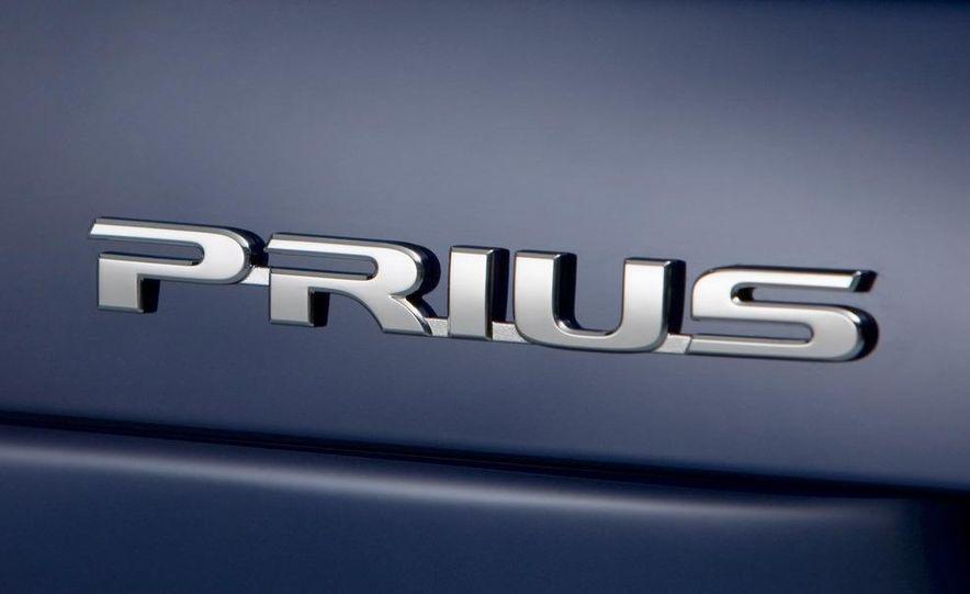 2010 Toyota Prius - Slide 21