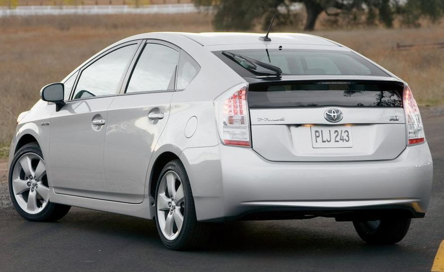 2010 Toyota Prius - Slide 8