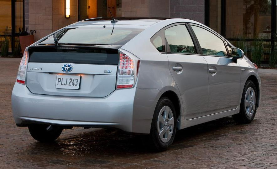 2010 Toyota Prius - Slide 32