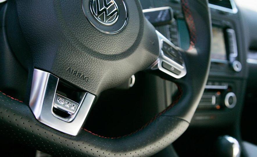 2010 Volkswagen GTI 5-door - Slide 24