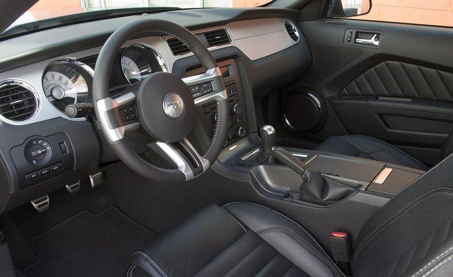 2010 Ford Mustang GT - Slide 7