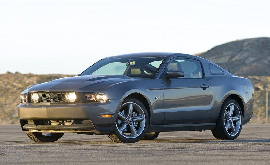 2010 Ford Mustang GT - Slide 3