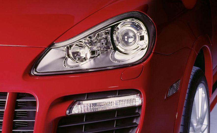 2010 Porsche Cayenne GTS Design Edition 3 - Slide 27