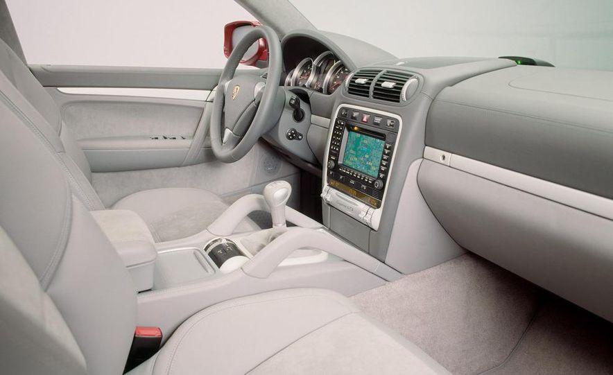 2010 Porsche Cayenne GTS Design Edition 3 - Slide 32