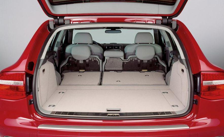 2010 Porsche Cayenne GTS Design Edition 3 - Slide 38