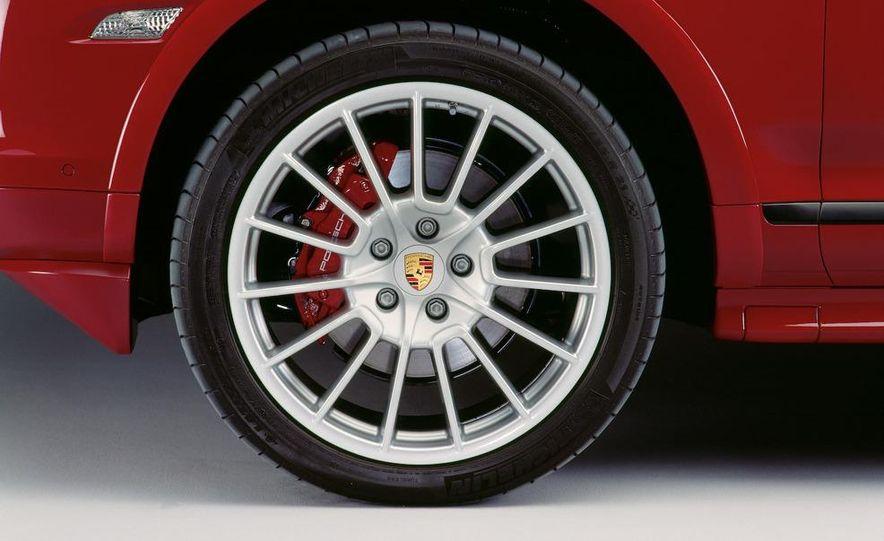 2010 Porsche Cayenne GTS Design Edition 3 - Slide 30