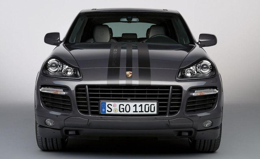 2010 Porsche Cayenne GTS Design Edition 3 - Slide 3