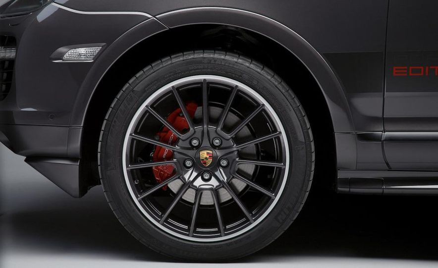 2010 Porsche Cayenne GTS Design Edition 3 - Slide 7