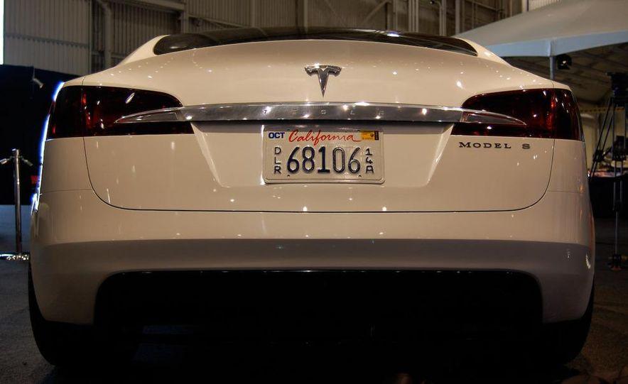 2012 Tesla Model S - Slide 9