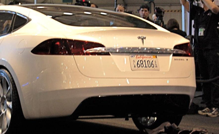 2012 Tesla Model S - Slide 22