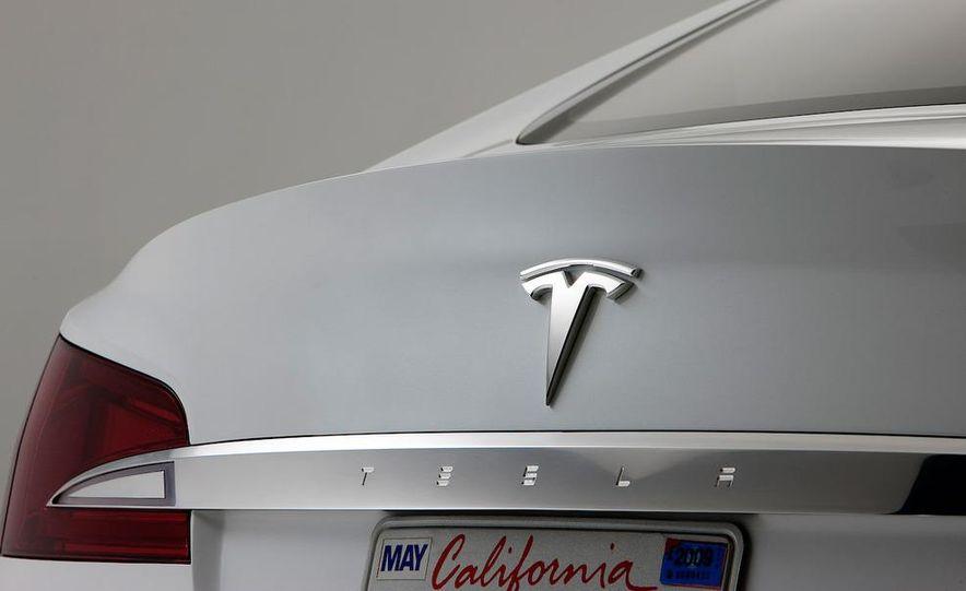 2012 Tesla Model S - Slide 32
