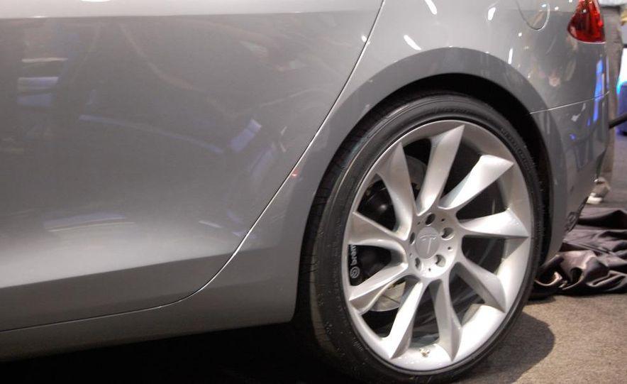 2012 Tesla Model S - Slide 20