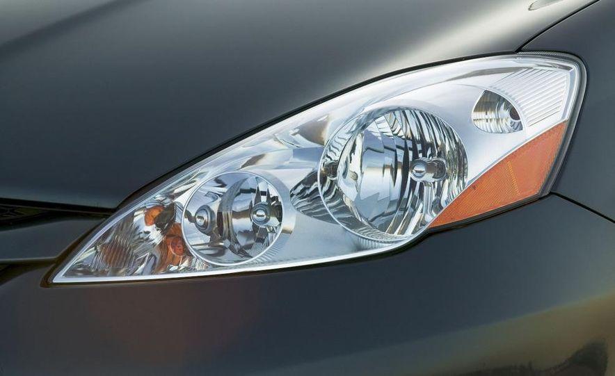 2009 Toyota Sienna Limited - Slide 5
