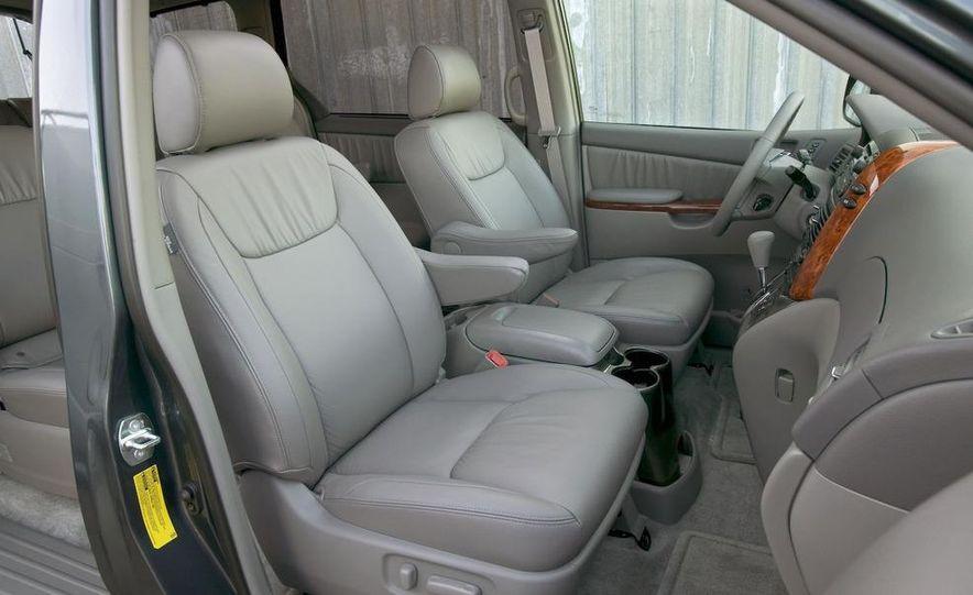2009 Toyota Sienna Limited - Slide 8