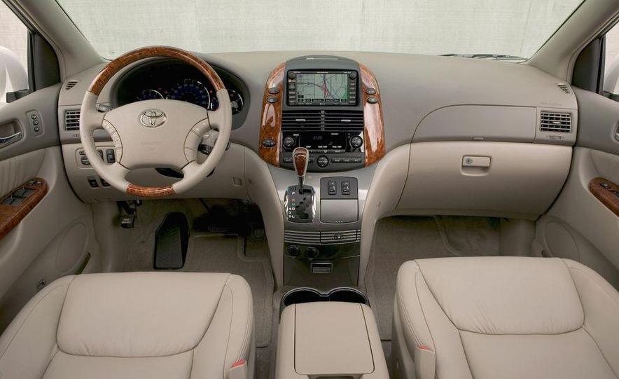 2009 Toyota Sienna Limited - Slide 11