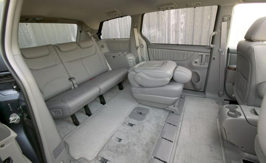 2009 Toyota Sienna Limited - Slide 9
