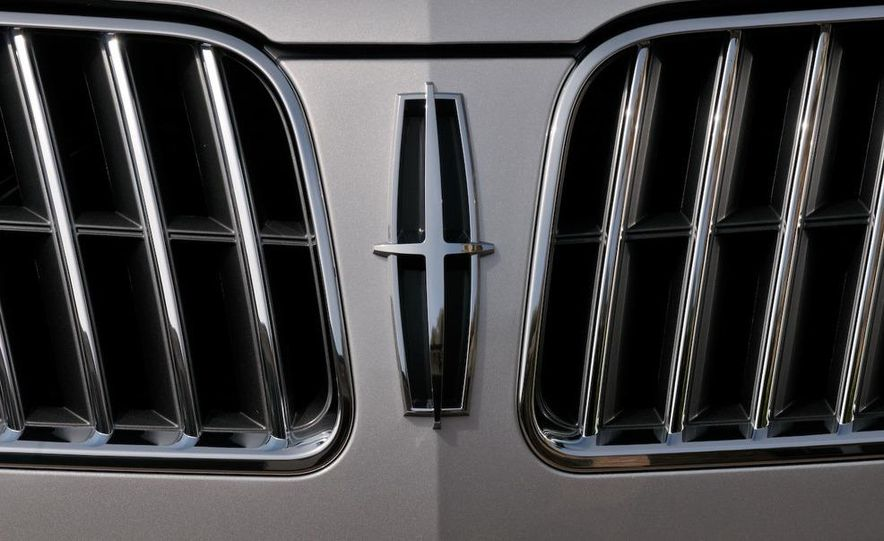 2010 Lincoln MKZ - Slide 11