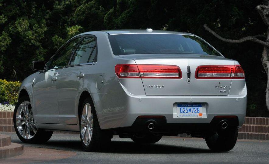 2010 Lincoln MKZ - Slide 3