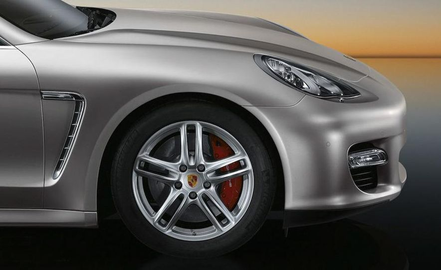 2010 Porsche Panamera 4S and Turbo AWD cutaway - Slide 35