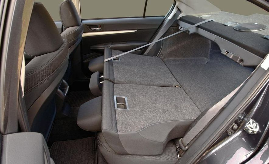 2010 Subaru Legacy - Slide 14